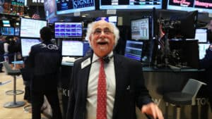 BREAKING: Stock Market SOARS 450 Points, Posts 'EIGHTH STRAIGHT' Weekly Gain