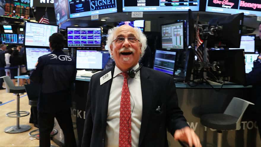 Partner Content - BREAKING: Stock Market SOARS 450 Points, Posts 'EIGHTH STRAIGHT' Weekly Gain