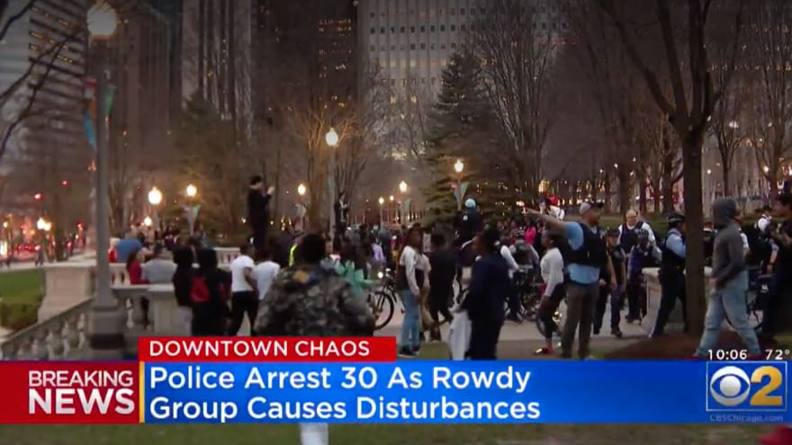 Partner Content - CHAOS IN CHICAGO: 'Hundreds of Teens' Take Over Downtown, Ignore Police, Fight in Streets